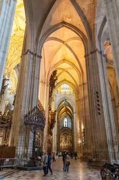 File:Seville Cathedral (6931811902).jpg - Wikimedia Commons
