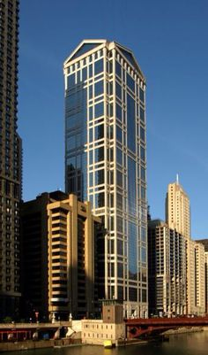 77 West Wacker Drive - The Skyscraper Center Construction Design, Under Construction, Chicago Usa, United Center, Minecraft Projects, Multi Story Building, The Unit, Buildings, Building Architecture