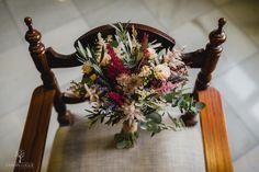 Ramos de novia, los mejores fotógrafos de boda en España, fotógrafos de boda en Córdoba. Crown, Wedding Bouquets, Boyfriends, Wedding, Flowers, Corona, Crowns
