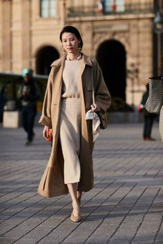 See all the most covetable street style looks from Paris Fashion Week. #estilochic