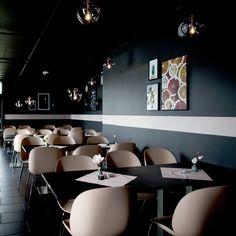 Design by VAMØ – Interiørarkitektur, boligstyling og lysdesign Conference Room, Table, Furniture, Design, Home Decor, Decoration Home, Room Decor, Tables