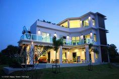 Upea kolmikerroksinen lukaali Pattayalta #thaimaa #unelmatalo