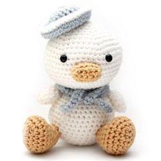 Lil Quack the Duck amigurumi crochet pattern by Little Muggles