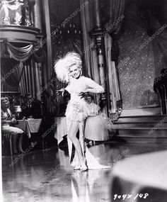 photo Marilyn Monroe dancing film There's No Business Like Show Business 654-23