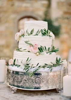 Sunstone Winery Wedding from Jose Villia White Wedding Cake with real flowers and greenery Cake Inspiration, Wedding Inspiration, Wedding Ideas, Wedding Blog, Floral Wedding Cakes, Wedding Flowers, Wedding Greenery, Cake Wedding, Wedding Dresses