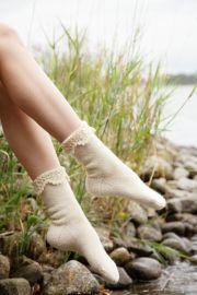 Crochet Chain, Crochet Hooks, Lace Patterns, Stitch Patterns, Provisional Cast On, Stockinette, Socks, Delicate, It Cast