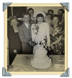 Wedding Photo Ideas - Use your classic photos to create unique thank you cards for your wedding guests