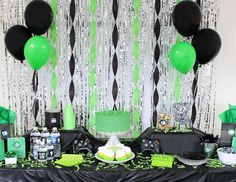 Check out these Top 10 video game birthday party ideas that'll help your gamer level up. Find gamer party decorations, video game party favors, and more! Half Birthday Baby, Birthday Party Games, 16th Birthday, Birthday Ideas, Video Game Cakes, Video Game Party, Xbox Party, Birthday Party Decorations Diy, Family Birthdays