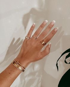 Shared by Emma Almqvist. Find images and videos about nails, gold and jewelry on We Heart It - the app to get lost in what you love. Mode Inspiration, Nails Inspiration, Looks Party, Chic Nails, Wedding Nails For Bride, Gold Accessories, Perfect Nails, Cute Jewelry, Luxury Jewelry