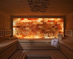 Saunas are now a favorite place for some people to relieve fatigue and fatigue after busy days. So, the weekend choice for them is a sauna to help them relax rather than just being and resting at home. Spa Design, House Design, Design Ideas, Saunas, Bio Sauna, Spa Bathroom Decor, Sauna Steam Room, Salt Room, Stone Interior