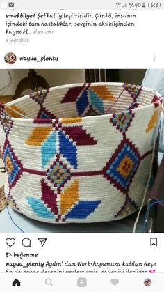Discover thousands of images about Takipçi, Takip Edilen, 739 Gönderi - Instagra. Crochet Dog Sweater, Knit Or Crochet, Irish Crochet, Tapestry Bag, Tapestry Crochet, Crotchet Bags, Crochet Motif Patterns, Stone Crafts, Knitting Stitches