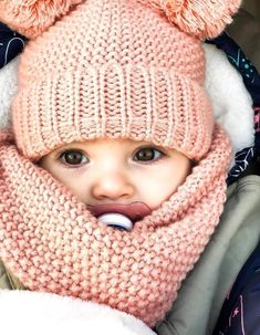 Crochet baby outfits girl children Ideas for 2019 So Cute Baby, Baby Kind, Cute Kids, Cute Babies, Fashion Kids, Baby Girl Fashion, Winter Fashion, Fashion Outfits, Baby Outfits