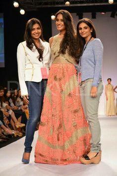Lisa Haydon walks for JADE at the Lakme Fashion Week Lisa Haydon, Ethnic Wedding, Lakme Fashion Week, Indian Fashion, Desi, Lace Skirt, Jade, Walking, Casual