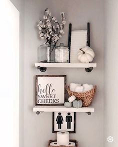9 No-Fail Ways to Add Fall Decor to Your Bathroom Bathroom Shelf Decor, Diy Bathroom Decor, Bath Decor, Bathroom Interior Design, Bathroom Ideas, Budget Bathroom, Diy Small Bathrooms, Decorative Bathroom Towels, Apartment Bathroom Decorating
