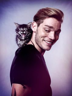 Dom Sherwood and a kitten *swoon*