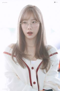 Taeyeon 190830 Incheon Airport to Praque Girls Generation, Girls' Generation Taeyeon, Jeonju, Snsd, Kpop Fashion, Korean Fashion, Kim Tae Yeon, Incheon, Airport Style