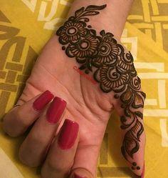 Cute and simple hinna mehndi designs ♥ Palm Henna Designs, Palm Mehndi Design, Indian Henna Designs, Finger Henna Designs, Mehndi Designs 2018, Mehndi Designs For Beginners, Mehndi Designs For Girls, Mehndi Design Pictures, Unique Mehndi Designs