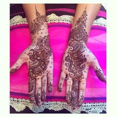 25 Astoundingly Intricate Henna Tattoos