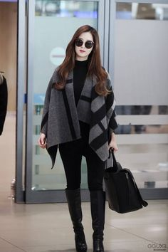 Seo Ju-hyun (born June known professionally as Seohyun, is a South Koreansinger and actress. She is a member of South Korean girl group Girls' Generation Snsd Fashion, Korea Fashion, Girl Fashion, Fashion Outfits, Womens Fashion, Airport Fashion, Simple Outfits, Classy Outfits, Cute Outfits