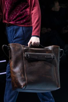 men+fashion : GIORGIO ARMANI Shoes & Handbags Fall/Winter 2018...
