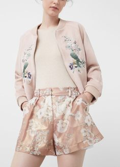 Floral print Shiny finish Side pockets Loops Two welt pockets on the back Zip and hook fastening Fashion Themes, Fashion Outfits, Stylish Outfits, Cool Outfits, Minimalist Fashion Summer, Grunge Dress, Grunge Outfits, Tokyo Street Style, Vestidos