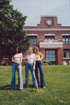 aesthetic sun-bleached and inspired, wiissas photography will leave you feeling nostalgic 70s Women Fashion, 70s Inspired Fashion, Women's Fashion, 70s Aesthetic, Aesthetic Pictures, 70s Films, 70s Outfits, Film Photography, How Are You Feeling