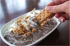 Oreo Dip Recipe - Approx. 100 calories and 3 WW Points+ per serving #WeightWatchers #PointsPlus
