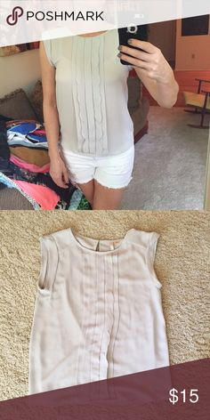 EUC LC Lauren Conrad dove grey cap sleeve top Sm Button closure at neck. EUC. Sz small LC Lauren Conrad Tops Blouses