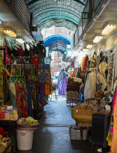 What to Do and Buy at New York City's Malcolm Shabazz Harlem Market - Christel D. African Print Dresses, African Prints, African Dress, Djembe Drum, West African Food, African Market, Amazing India, Body Oils, Africa Fashion