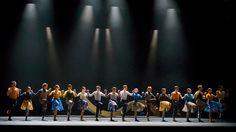 KONTRASTE - INGER | SIEGAL | CLUG  Ballett Dortmund  Spielzeit 2016/17 - Ballett Dortmund KONTRASTE - INGER | SIEGAL | CLUG Choreographien von Johan Inger Richard Siegal und Edward Clug --- Infos & Tickets: www.tdo.li/kontraste --- Was bleibt wenn die Begriffe brüchig werden? Drei unterschiedliche Kreationen fasst Xin Peng Wang zu einem Abend zusammen. Drei Wagnisse Traditionen nicht länger fortzuschreiben. Alle drei Künstler stellen Fragen. An sich. An uns. Und wir erleben welche Lust es…