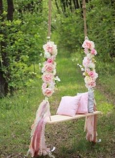 Predictive coordinated wedding decor a knockout post - Fotoideen Sommer - Dream Wedding, Wedding Day, Wedding Swing, Trendy Wedding, Diy Wedding, Garden Party Wedding, Rustic Wedding, Birthday Parties, Fairy Birthday