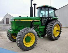 JOHN DEERE 4955 FWD Old Tractors, John Deere Tractors, Tractor Cabs, Farm Life, Barns, Farming, Iron, Yellow, Big