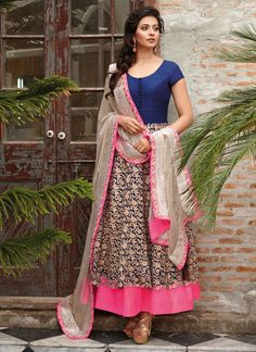 Natasha Couture - Shop with confidence from the exclusive collection of Indian Designer Women Clothing. We offer wedding lehenga, bridal lehenga, wedding sarees and anarkali suits online in India and Worldwide. Anarkali Dress, Anarkali Suits, Pakistani Dresses, Indian Dresses, Indian Outfits, White Anarkali, Pakistani Suits, Salwar Kameez, Kurti