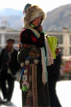 tibetan woman in traditional dress