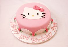 Hello Kitty and Roses Cake Hello Kitty Theme Party, Hello Kitty Birthday Cake, Birthday Cake Girls, Hello Kitty Torte, Hello Kitty Fondant, Pretty Cakes, Cute Cakes, Fancy Cakes, Pink Cakes