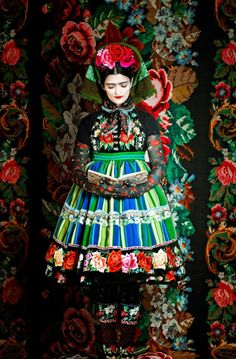 Frida fashion collection designed by Susanne Bisovsky - photo by Atelier Olschinsky - Polish Folk Costume from Lowicz Fashion Art, Foto Fashion, Editorial Fashion, Fashion Design, Fashion Spring, Fashion Shoot, Couture Fashion, Daily Fashion, Street Fashion