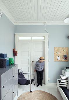 Salaisuus_Tikkurila_pystykuva 4 Nursery Bedding, My House, Kids Room, House Design, Cabinet, Living Room, Bedroom, Storage, Design Ideas