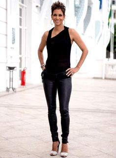 Halle Berry Height, Bra Cup Size,