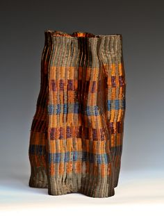 It is always inspirational to see an artist take skills learned in one area and transfer them to what appears to be an unrelated area. The results are often magical, as in the case of Canadian artist Fran Solar.    She began her career as a weaver and textile designer, turning to basketry after man