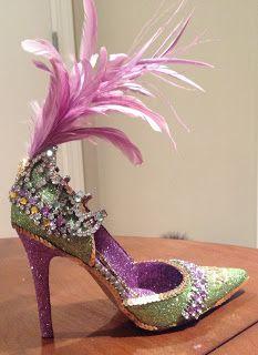 Confessions of a glitter addict: Vintage Mardi Gras Shoe