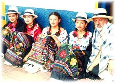 COLOMBIA Traje típico región andina Ethnic Outfits, Trendy Outfits, We Are The World, People Around The World, Traditional Dresses, Folklore, South America, Dress Up, Costumes