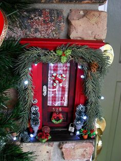 Oh my, how cute - Fairy Doors ... gotta do one of these