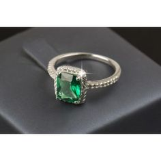 Amazing 3.0Ct Faux Emerald Crystal Ring in 925 Sterling Silver and Surrounded by Imitation Crystal Diamonds