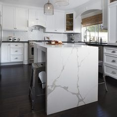 Quartz slabs are a go-to for many homeowners, as it is low-maintenance and a statement piece when installed in kitchens, bathrooms, and more. Available at Arizona Tile. Quartz Slab, Quartz Countertops, Updated Kitchen, New Kitchen, Kitchen Updates, Calacatta, Floor Design, Living Room Kitchen, Kitchen Storage