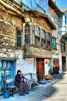 Традиционные турецкие дома. Турция страна контрастов. Индивидуальные экскурсии по городам Турции с гидом Исмаил Мюфтюоглу. www.russkiygidvstambule.com info@russkiygidvstambule.com gidturist@hotmail.com