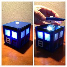 Boîte de Pixel Art TARDIS éclairée