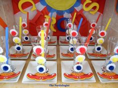 Clever clown glasses #clown #circus #party