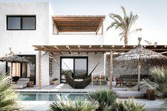 Egypt prepares for brighter 2019 Exterior Design, Interior And Exterior, Casa Cook Hotel, Casa Patio, Casas The Sims 4, Mediterranean Homes, Dream House Exterior, Future House, Architecture Design