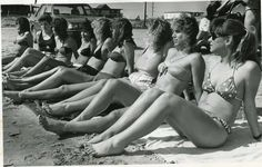 Seniors from Canyon High School soak up the sun on Port Aransas in 1987. Photo: San Antonio Express-News