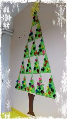 παιχνιδοκαμώματα στου νηπ/γειου τα δρώμενα: δεντράκια χριστουγεννιάτικα ...... Preschool Christmas Crafts, Christmas Arts And Crafts, Winter Crafts For Kids, Christmas Activities, Christmas Projects, Christmas Themes, Holiday Crafts, Christmas Decorations, Toddler Christmas